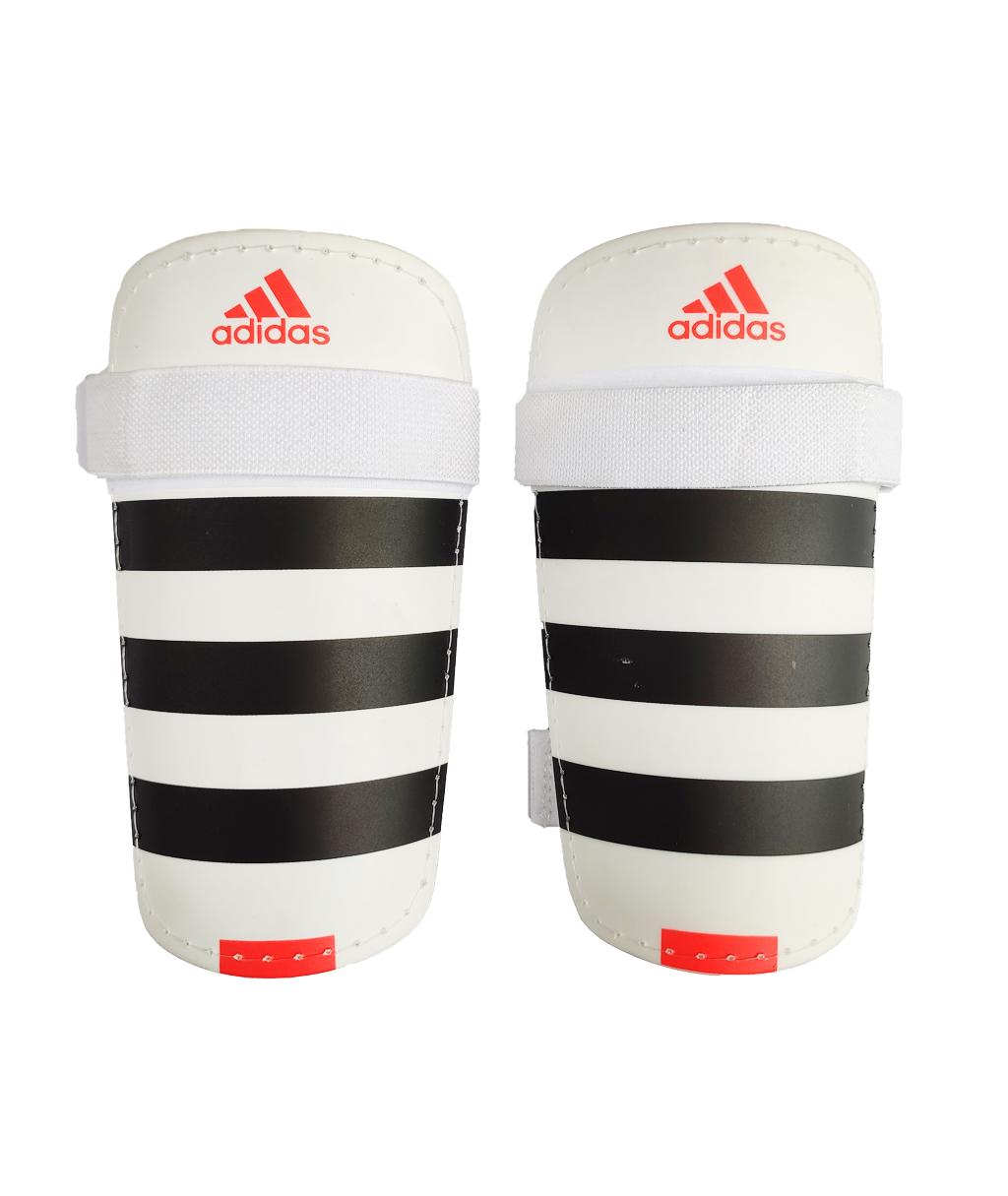 Белые Футбольные щитки AdidasEverLite AP7034